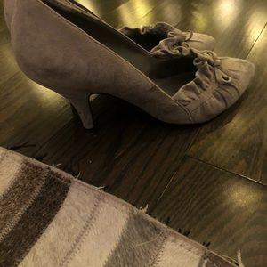 Beautiful Light Grey Enzo shoes